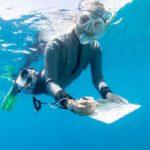 www.volunteereco.org Volunteer-for-a-Great-Barrier-Reef_Snorkeling volunteer collecting data